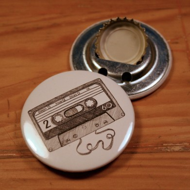 http://de.dawanda.com/product/94774743-flaschenoeffner-kassette